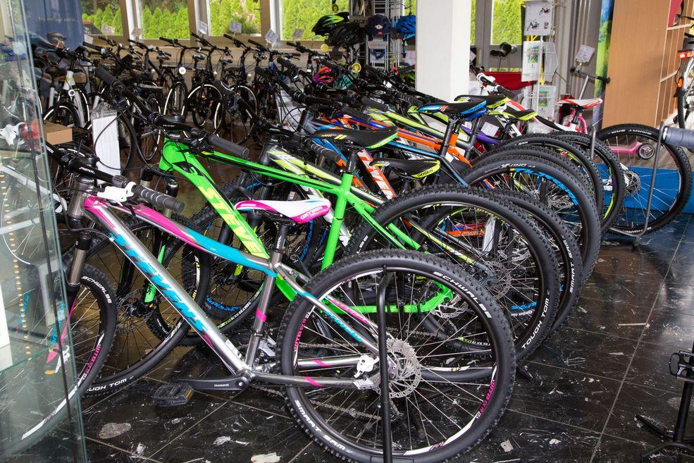 von Arb Bike AG Neuendorf - E-Bike Flyer Ausstellung